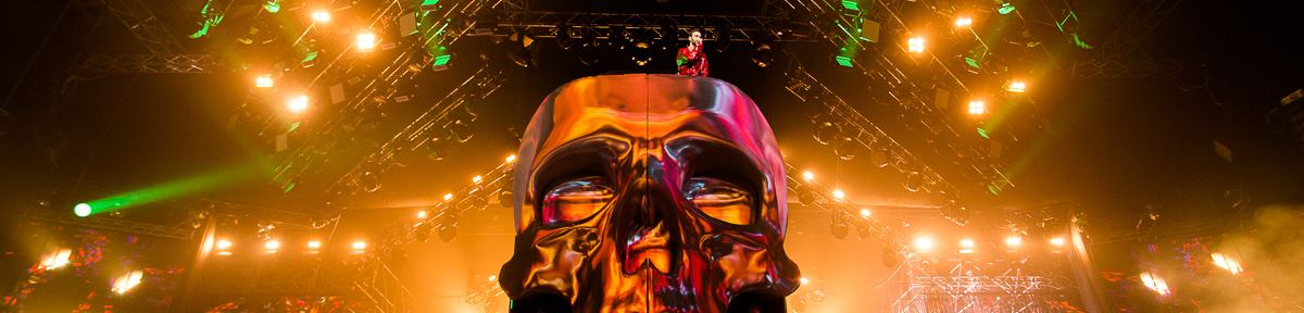 Front Pictures brings 6.5m skull to life at Max Barskih concert